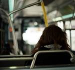 Atti osceni su autobus di linea